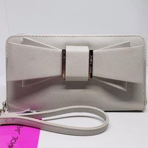 🆕Betsey johnson bow wallet wristlet